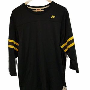 Nike Football Men's Jersey Shirt - Size XL  51